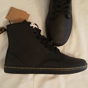 Dr. Martens Leather Shoeditch NWT!!!